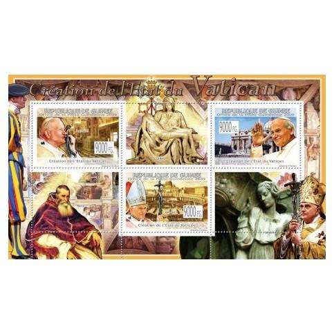 Bloc Feuillet Papes et Vatican - République de Guinée 2009